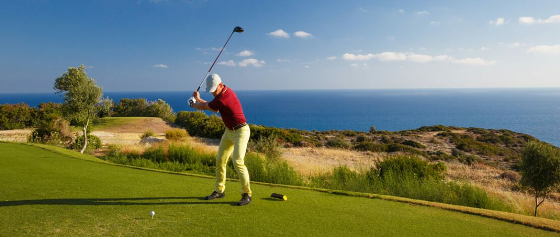 Top tips for flying with golf clubs