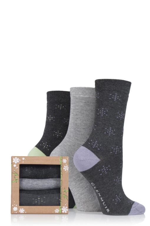 Ladies 3 Pair Snowflake Bamboo Socks In a Gift Box