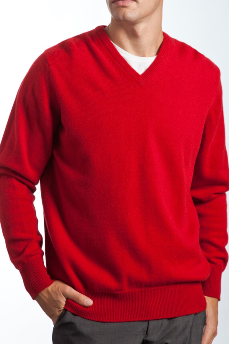 Heritage V Neck 100% Cashmere Sweater Product Image 7